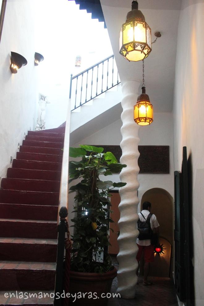 el jardín del califa escaleras1